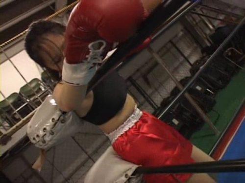 女子ボクシングでミックスファイトをし負けたらレイプといったエロルールの元男女混合試合が展開されるボクシングAV