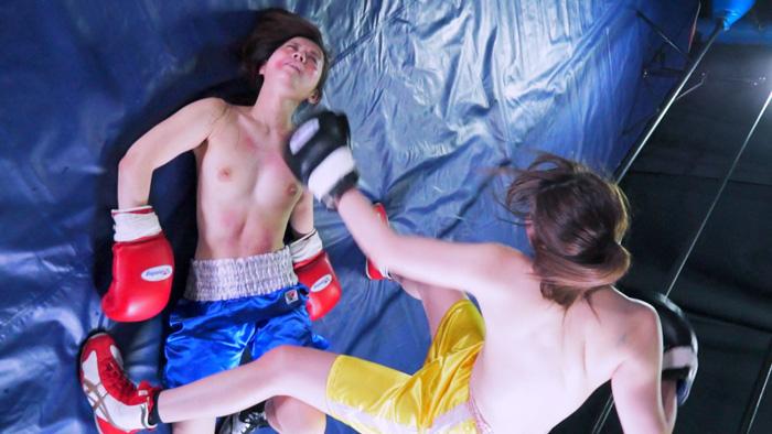 長身のロシアンクオーター柚月アリスと千野くるみがドミネーションボクシングで対決。傷だらけになりながらもがんばるくるみを容赦なく叩きのめす柚月アリスの非情なエロボクシング
