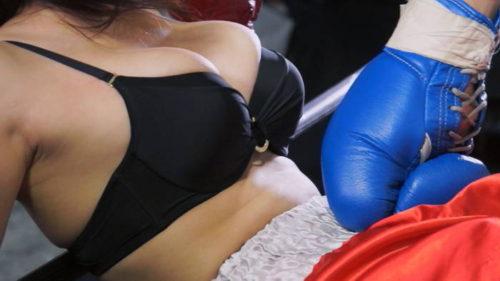 鶴田かなと一人称視点でミックスボクシングのエロファイトを楽しむ腹パンチあり胸パンチありのAV